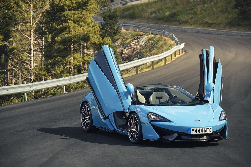 Large-8049-McLaren570SSpider-CuracaoBlue.jpg