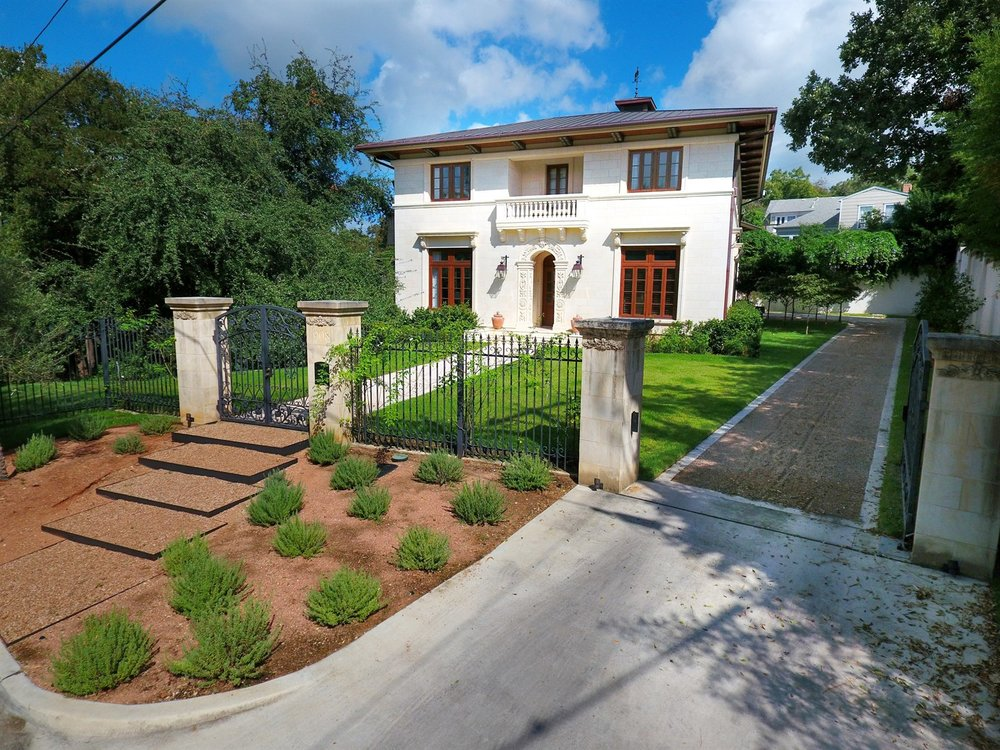 For Sale » 908 W 16th St • 78701