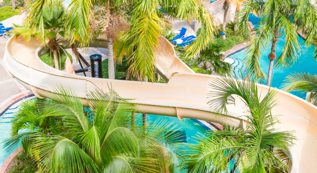 COQUI WATER PARK - Splash about in the expansive 8,500 sq.ft. main poolor take a dip in the luxurious 9,000 sq.ft. infinity edge pool.