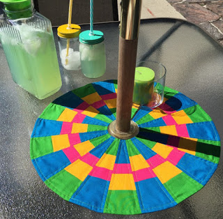 Umbrella Table Dresden - A fun way to jazz up your summer patio table.