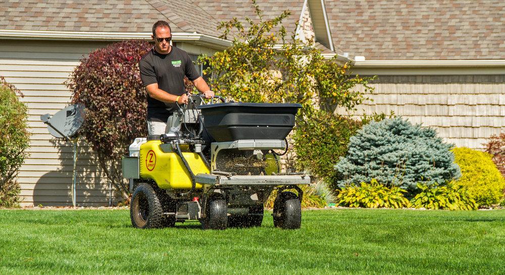 Elkhart lawn service fertilizing