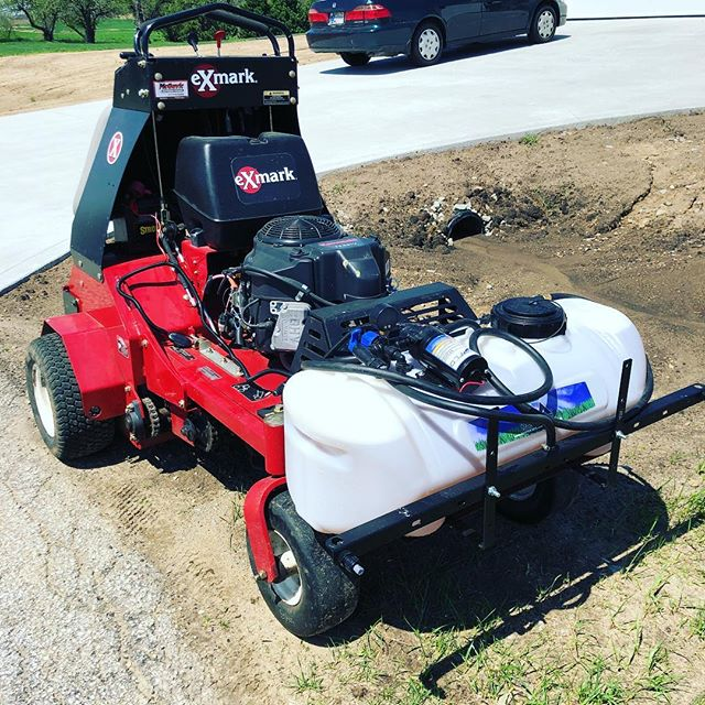 Turned our aerator into a sprayer today! #grassguru #lawncare #lawn #lawnservice #weeds #grass #aerator #sprayer #goodbyeweeds #exmark @exmarkmanufacturing