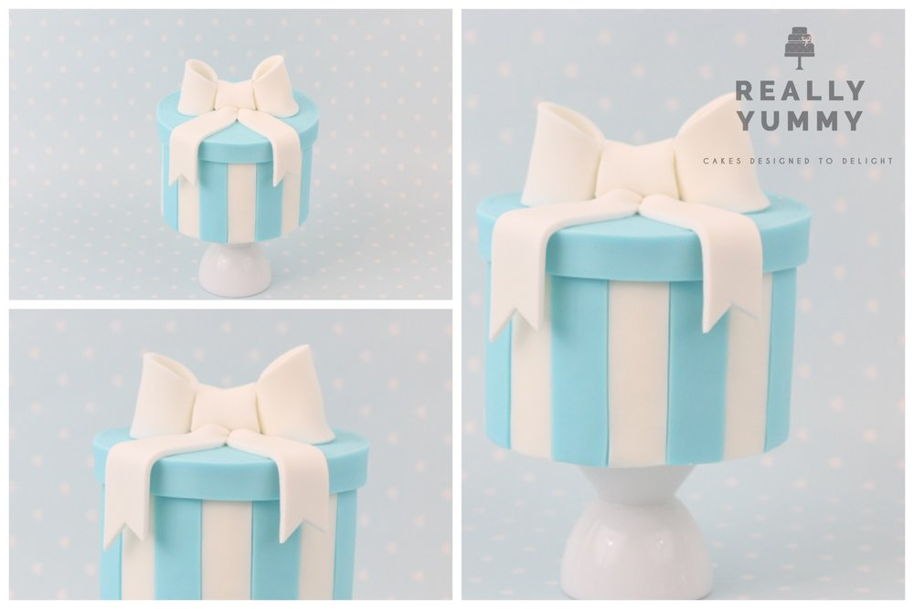 Tiffany blue hatbox cake