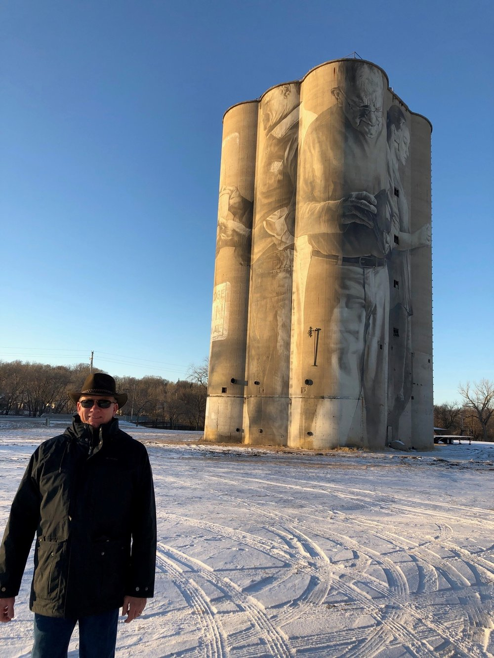 Grain silo artwork in Fort Dodge. Photo credit: Tom Oswald