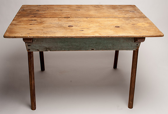 Merveilleux Antique Two Board Table