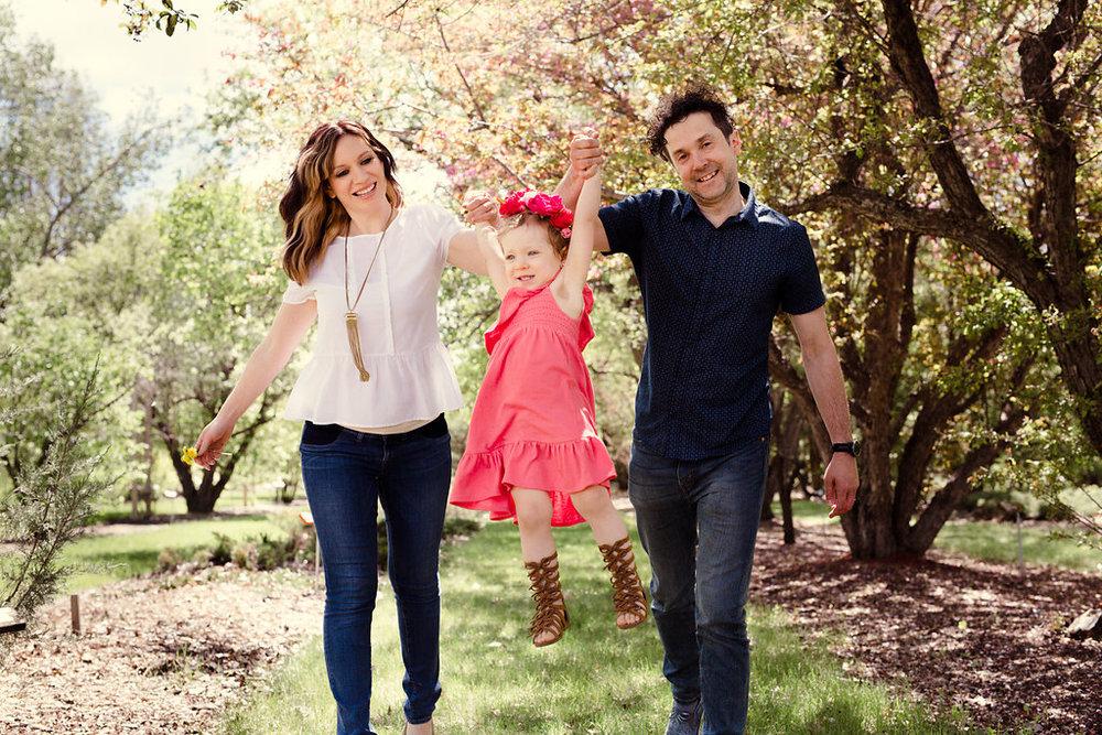 saskatoon stylist maygen kardash what to wear for family photos