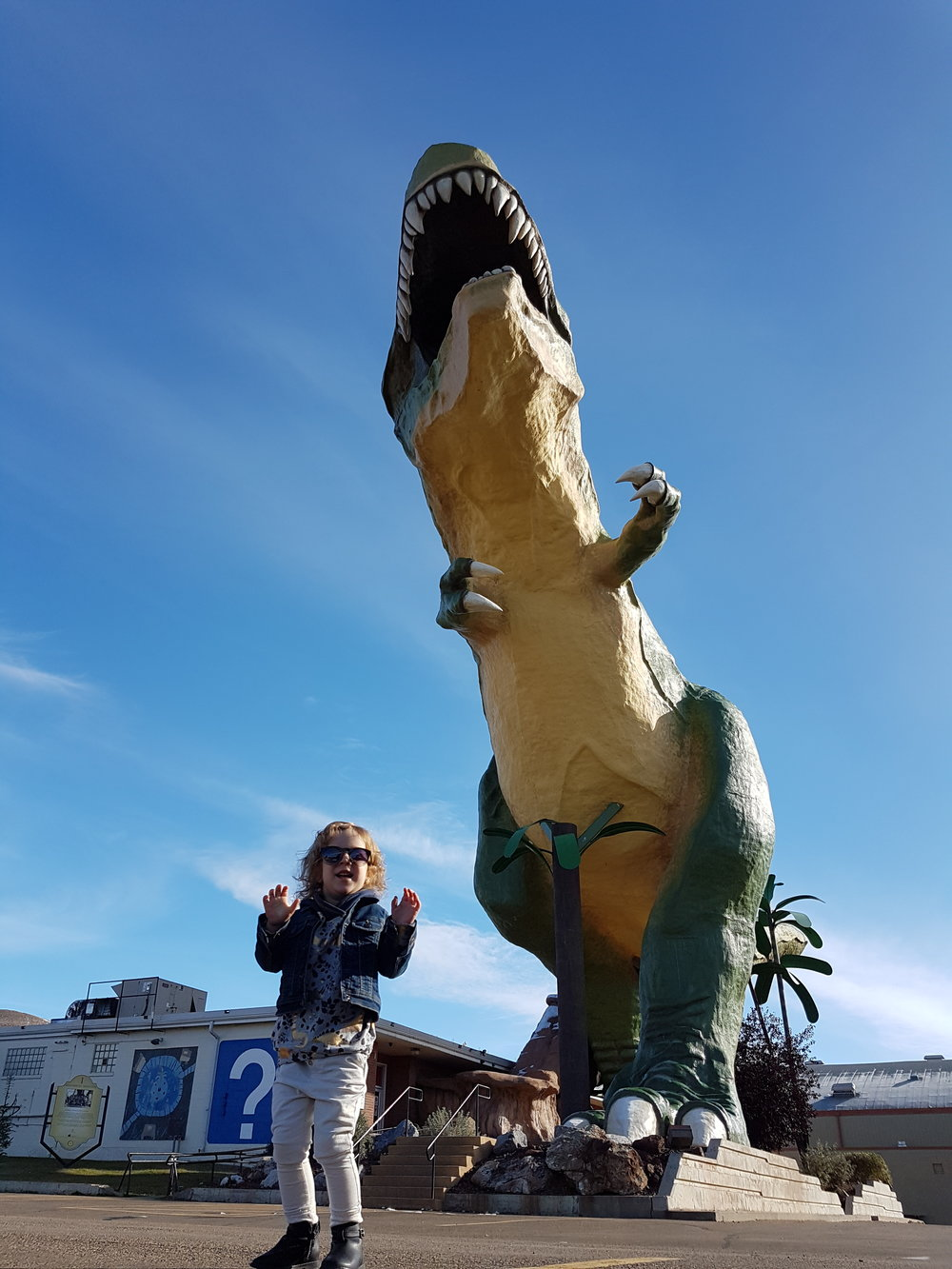 what to do in drumheller with toddlers.jpg