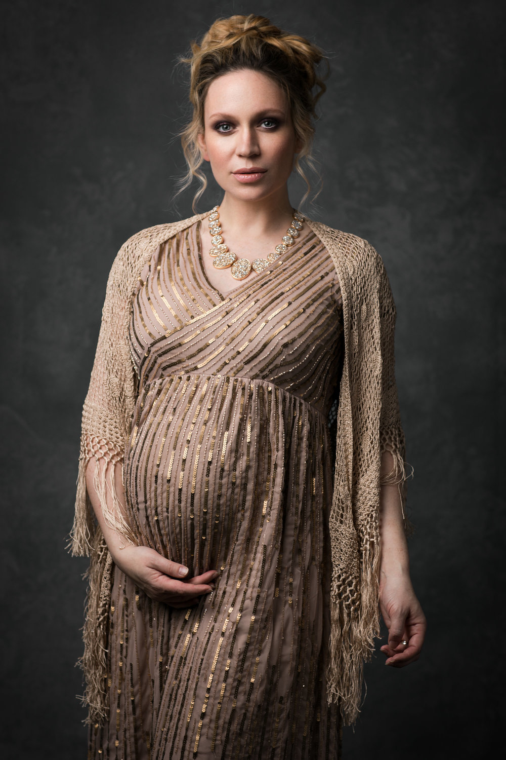 what to wear for maternity photos.jpg