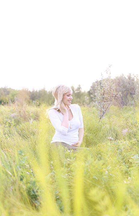 pregnancy announcement maternity photos.jpg