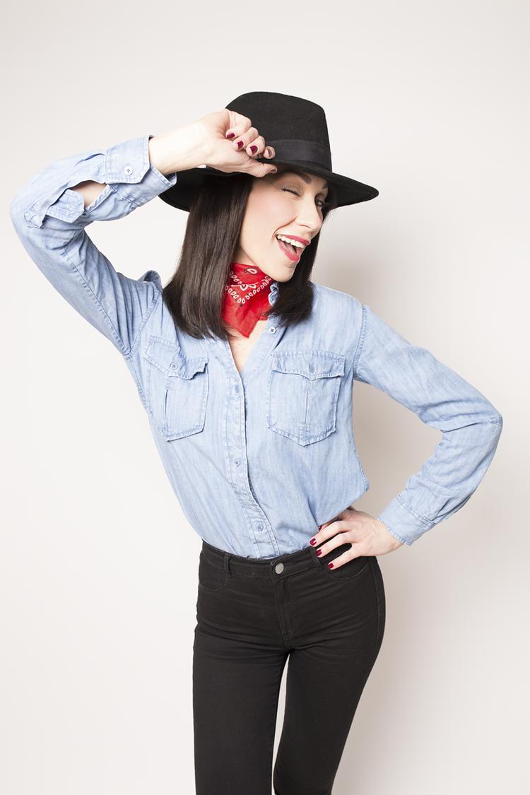easy halloween costume cowgirl