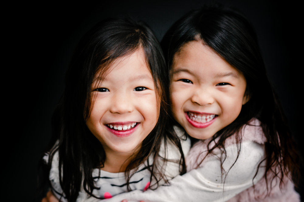 ©2017 Modern School Portraits Twin Asian Sisters Preschool