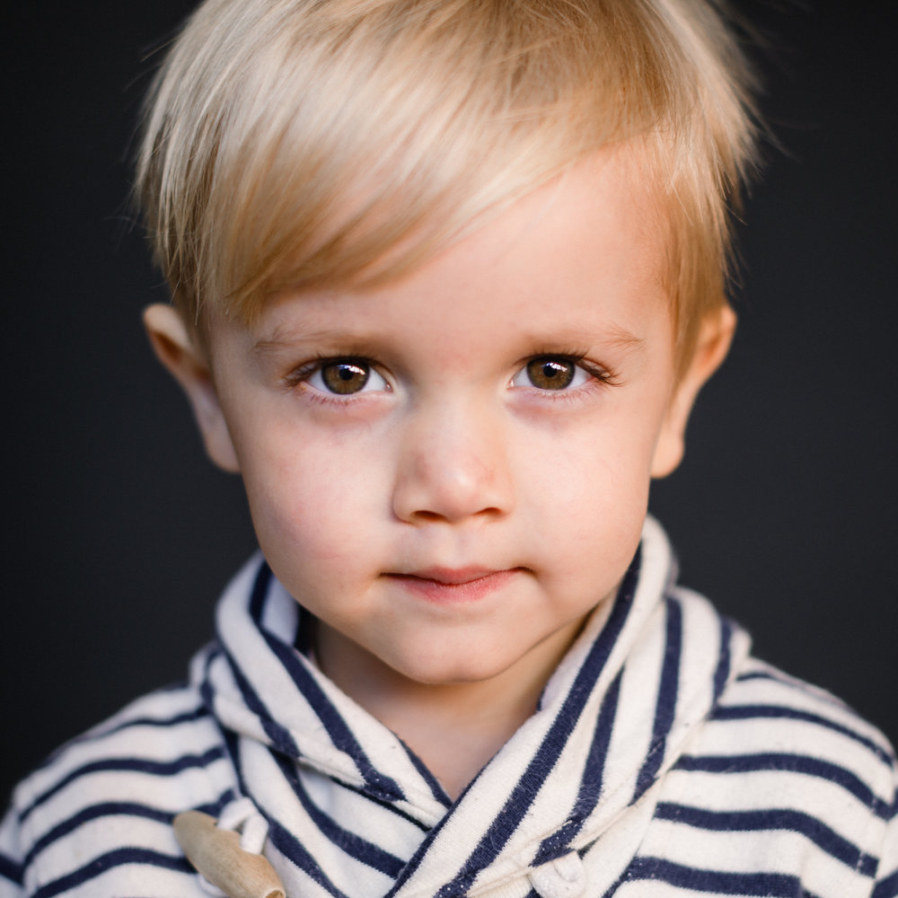 ©2018 MODERN SCHOOL PORTRAITS CHICAGO BLONDE TODDLER BOY.jpg