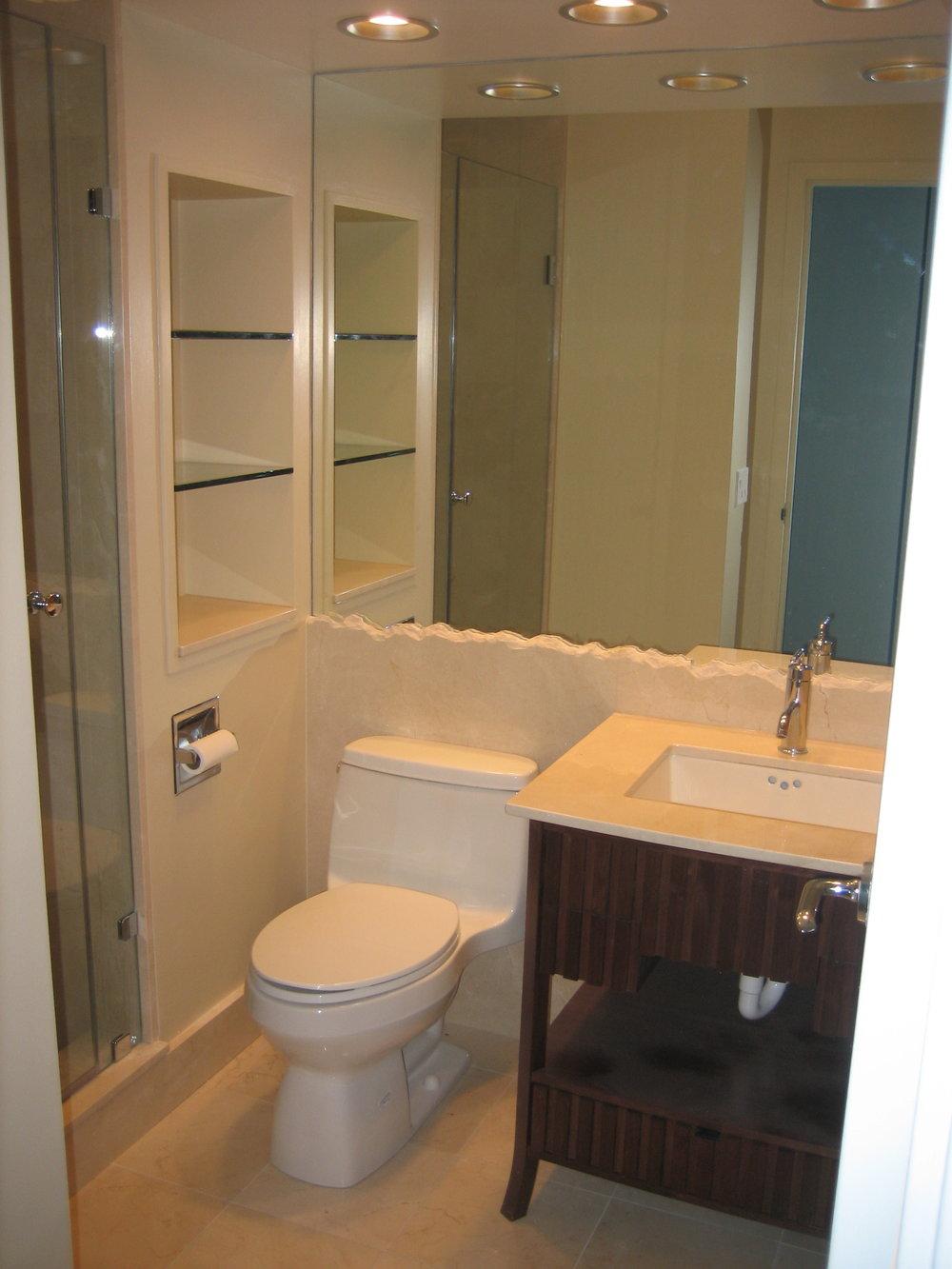 Bathroom - Chicago 1 copy.JPG