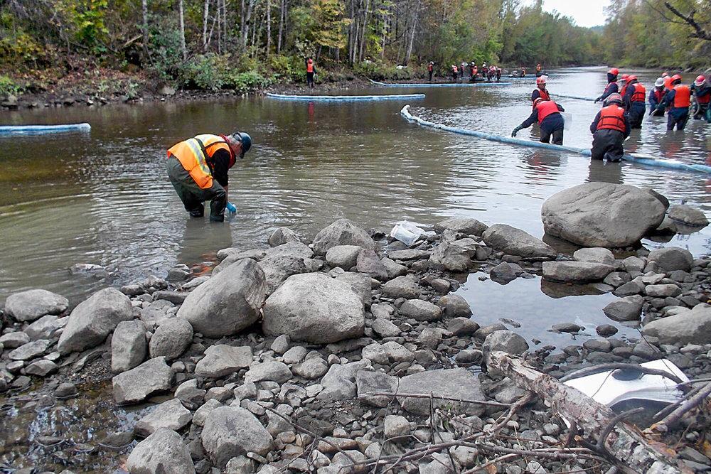 Caractérisation environnementale de la rivière Chaudière suite au déraillement d'un convoi pétrolier survenu le 6 juillet 2013 à Lac-Mégantic