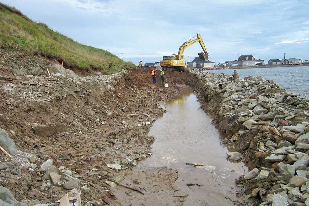Environmental remediation by soil excavation in Pointe-Shea, Îles-de-la-Madeleine.