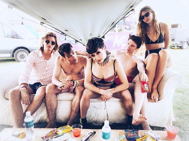 🥁🎤🎸Throw back to one of the most badass bands on the planet @Kittentheband hanging out in the Muncheez Marketplace at @Vestal Village! #Coachella was such a great time, can't wait for next year! 🎡 📸: @jeannerice_007