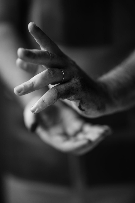 O que não sou - Quero te contar duas coisas. Uma é sobre a minha mão.