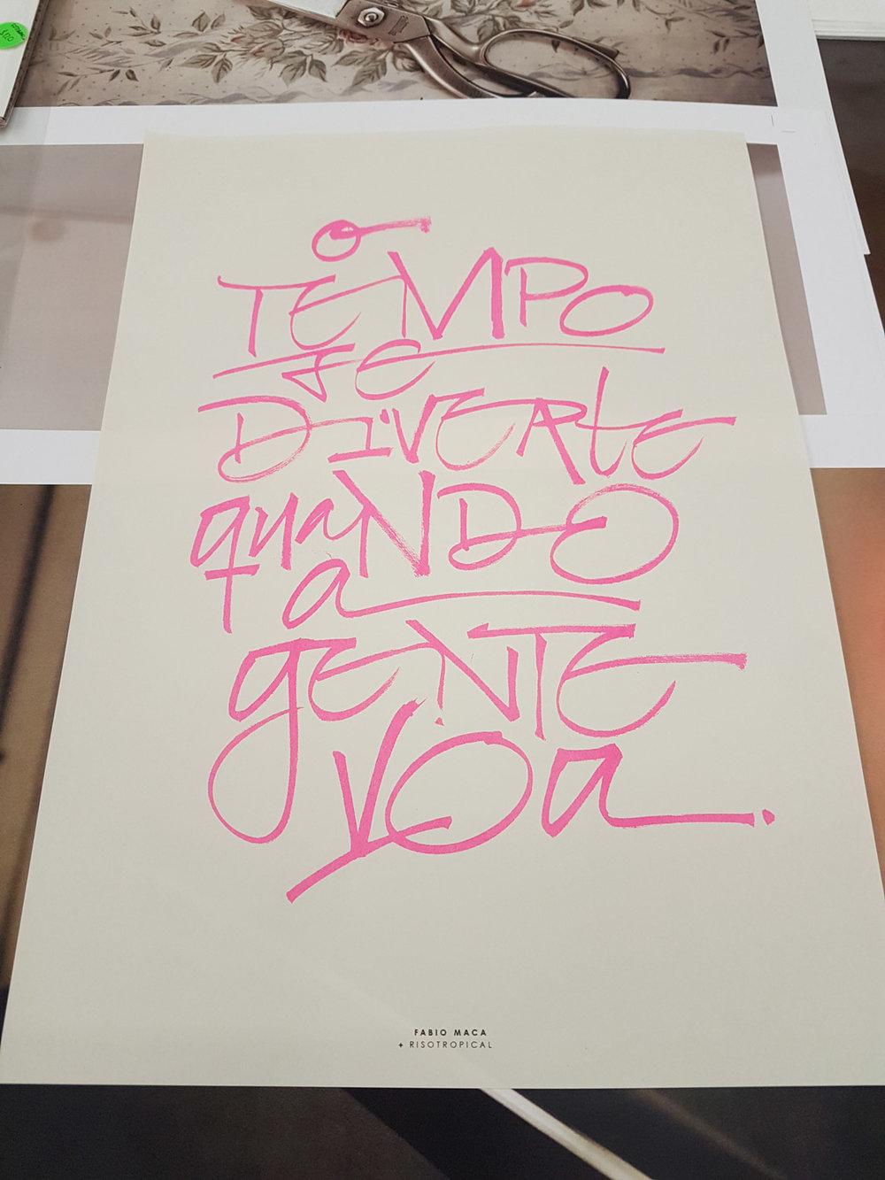Riso Tropical - Quem não ama posters? Ainda mais feitos pelo amigo Renan numa impressora risográfica, que torna o processo mais artesanal, orgânico e imperfeito - a cara do meu trabalho.