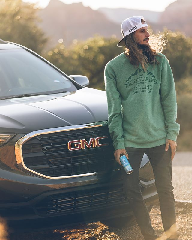 I've been thoroughly enjoying the 2018 @gmc turbo diesel Terrain 🙏🏼 Thanks @nxstlab & @henrybrownbuickgmc for working with me on this campaign. I also want to give a huge shoutout to @matebros for sponsoring the entire trip and fueling my adventure. Stay tuned for some epic photos and my takeover on @matebros starting tomorrow! 🌵Sweater by @manaidesignco