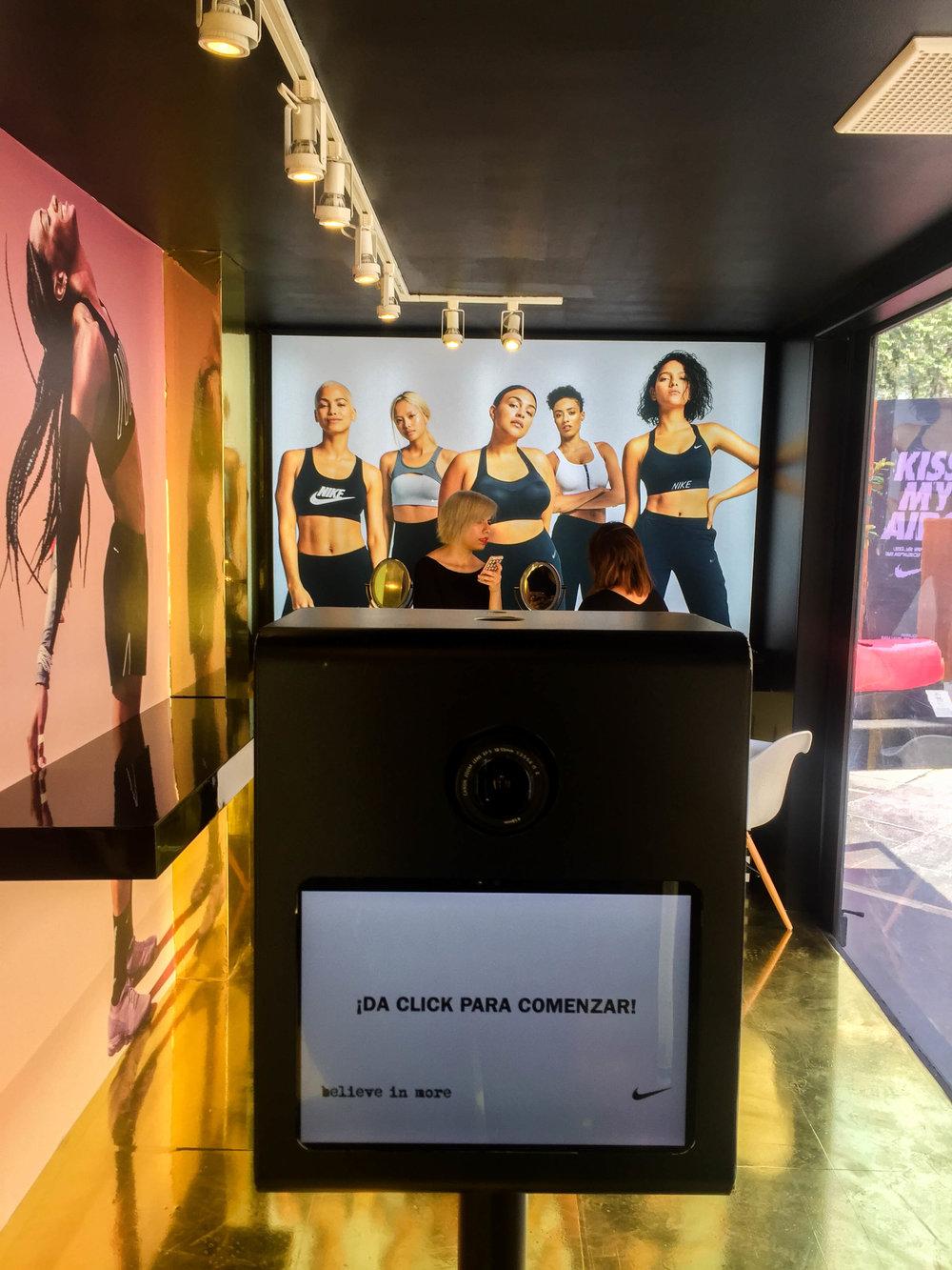 NIKE | Vapormax   Por el 1er aniversario de tienda Nike Polanco y promoción de los nuevos Nike Air VaporMax, se realizó una activación...