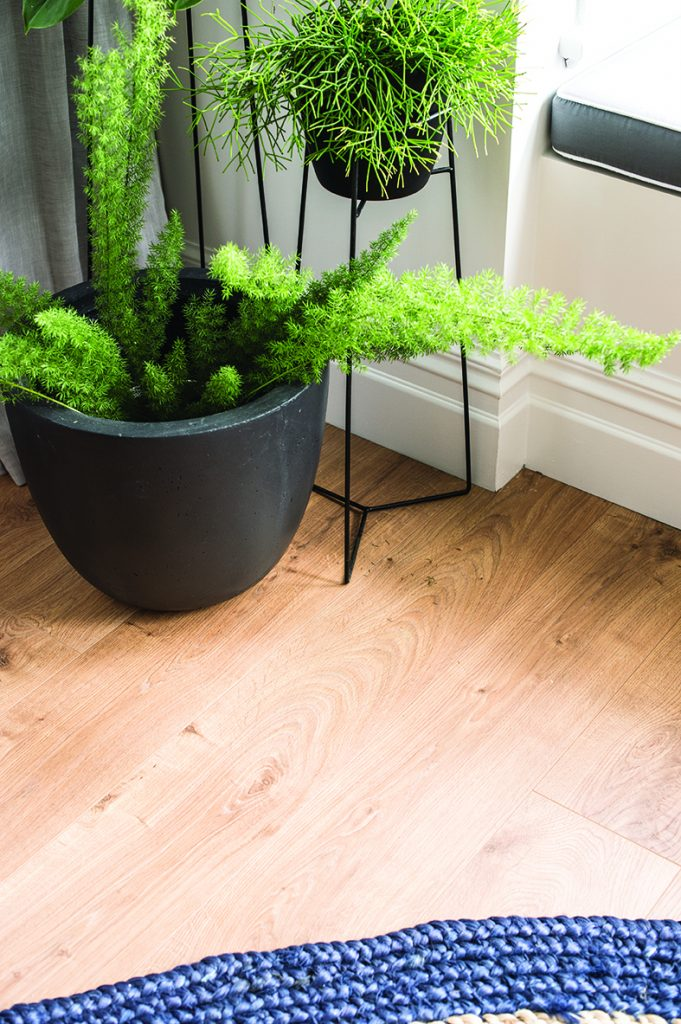 2015_GHFloors_TheBlock_Laminate_Vue-MountainOakNatural_2178-681x1024.jpg