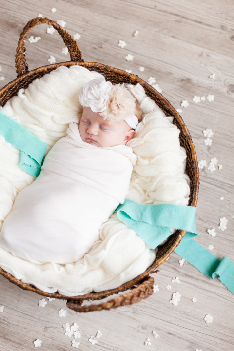 5.5.2018 - Newborn Madelyn Schoen - Blog5-13.jpg