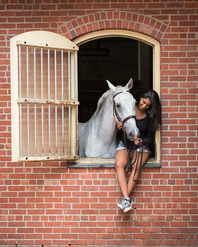 End of the summer photoshoot with Adya and her horse, Carerra. Thank you @adyakhosla for asking me to capture these special moments between you two. Good luck and have a great time at college! . . . I am now booking photo shoots for the upcoming fall season! 🍁If you are interested, email me at carliejohnsonphotos@gmail.com