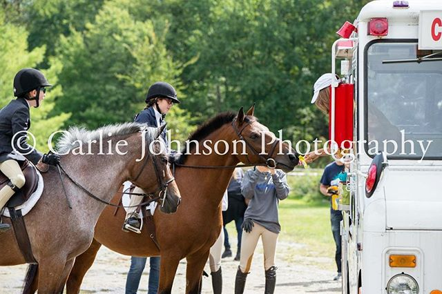 @smokeriseridingclub September 30th Horse Show! 🐴🍁 Photos now available on my website at www.carliejohnson.com