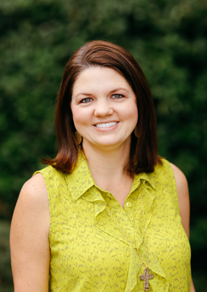 Rachel Anderson - Rachel Anderson is the wife of TJ. Rachel and TJ moved to Bluffton, South Carolina in 2008. She attended Georgia Southern University and graduated from Armstrong State University in 2003. Rachel is a licensed dental hygienist and practiced for 12 years before starting to work with TJ in the business in 2015. Rachel enjoys spending time with their two beautiful boys when not working. They enjoy boating and camping as a family!