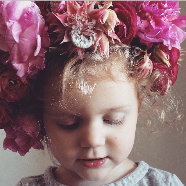 Hey @avestyles!! Can you believe how little Elle was in this?!?! I'm here to officially support crowns for tots. We love a little boho baby. You can order a crown for your little on our site!