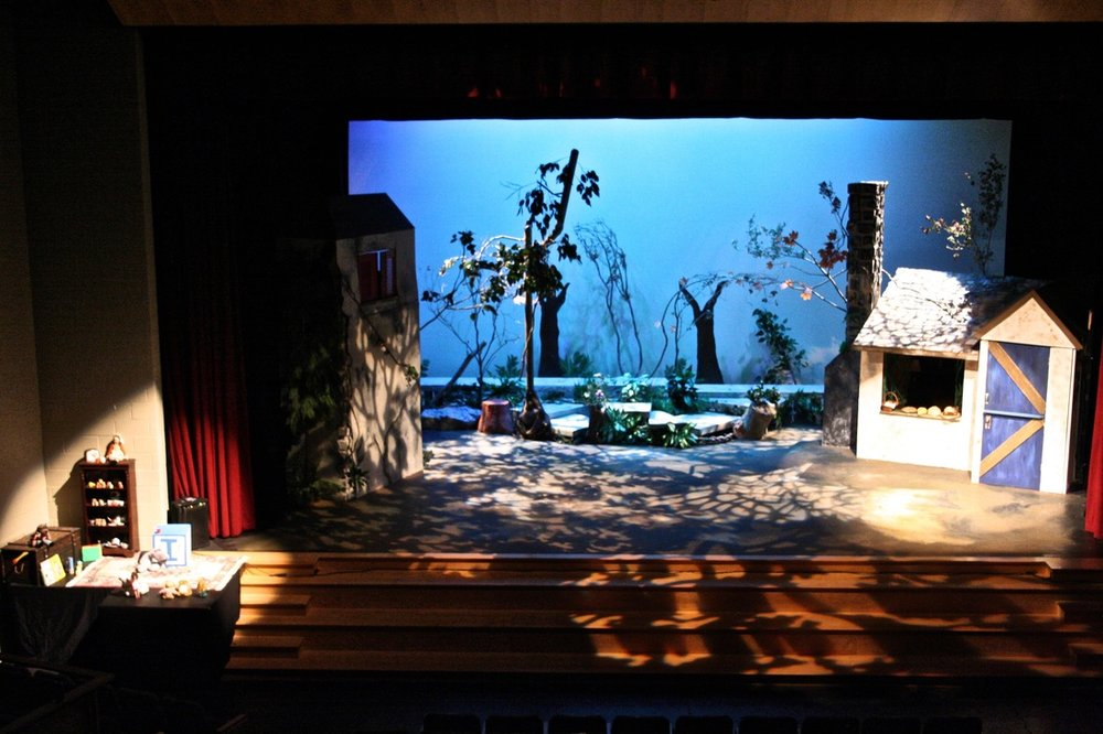 "Saint Andrew's School ""Into The Woods"" (Scenic/Lighting Design, Technical Direction)"