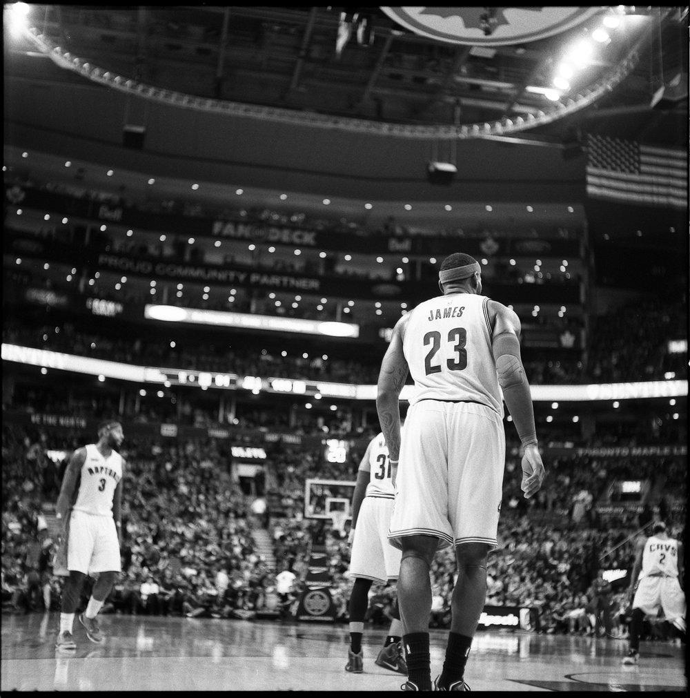 63-NBA-King-James-Number-23-Toronto-Raptos-VS-Cleveland-Caveliers-Lebron-James-Vintage-Film-Courtside-Ilford-HP5+.JPG