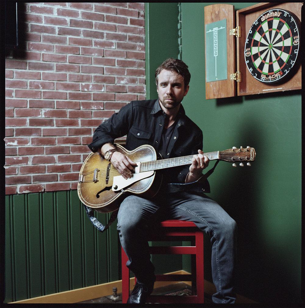 81-Spring-2016-Kodak-Portra-400_Colin-The-Trews-Lead-Singer-Portrait-Shot-on-Analog-Film-in-Toronto-Bar.JPG