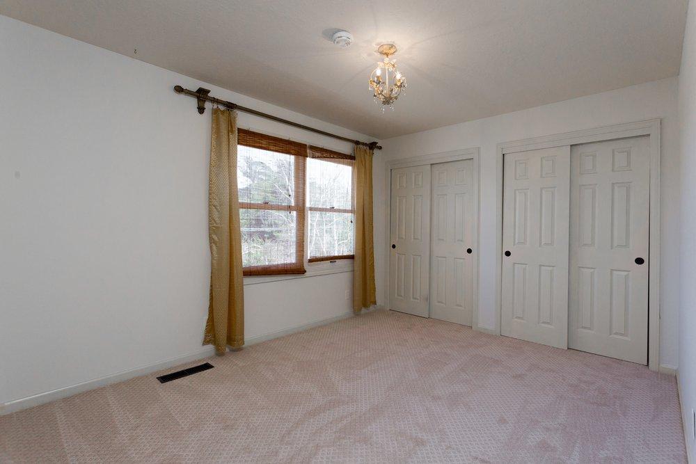 016_Bedroom.jpg