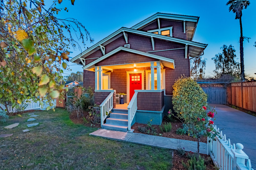 SOLD  1901 Delaware Ave. $1,610,000  3 Bedroom | 2 Bathroom | 2,175 Sq. Ft.