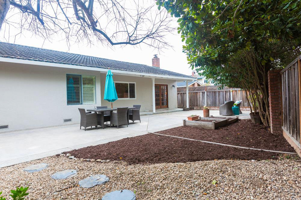 3 Beds & 2 Baths Home In Upper Westside Open Living Space (2)