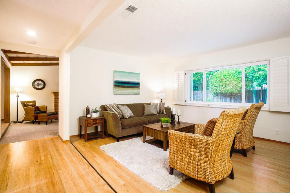 Open Living Space 3 Beds House In Upper Westside