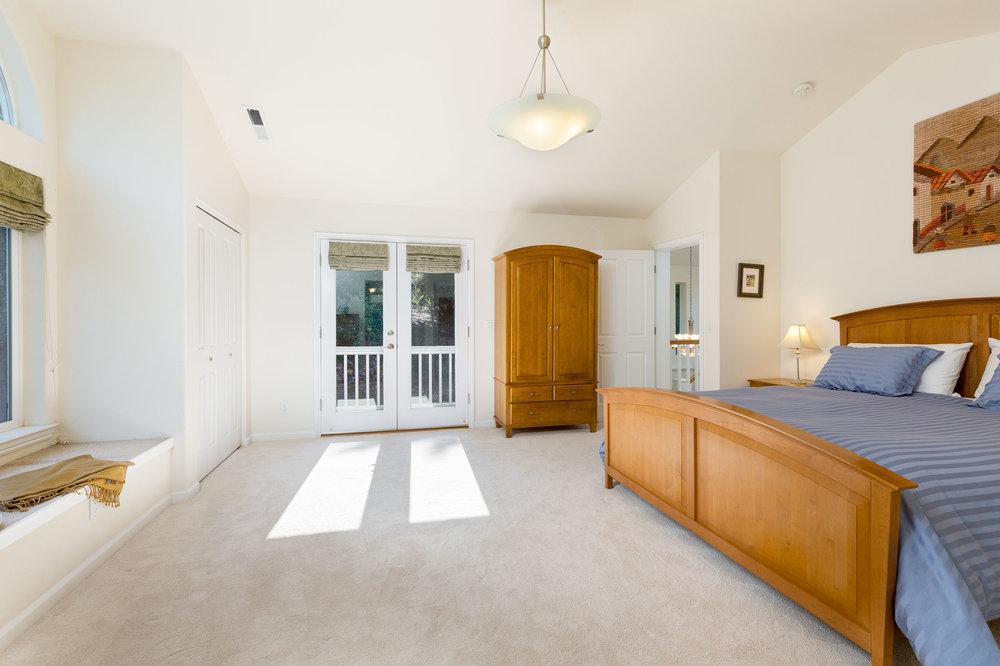 3 Bedrooms Santa Cruz Realtor