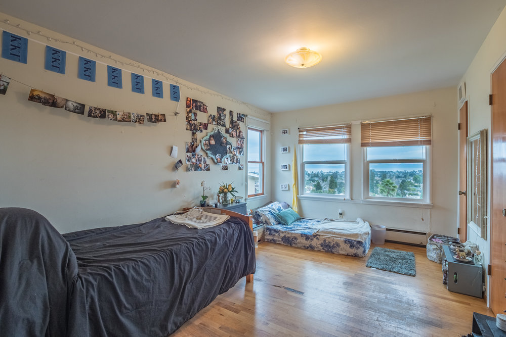 3 Bedroom Home Open Floor Plan In Westlake School District.jpg