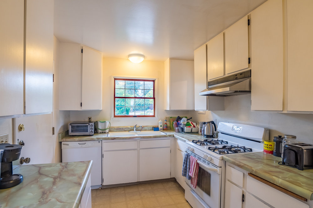 3 Bedroom, 2 Bathroom House with Garage Near Silicon Valley_.jpg