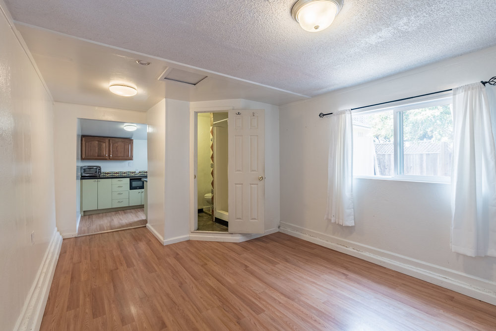 Cozy Open Floor Plan Cottage Near Santa Cruz Downtown