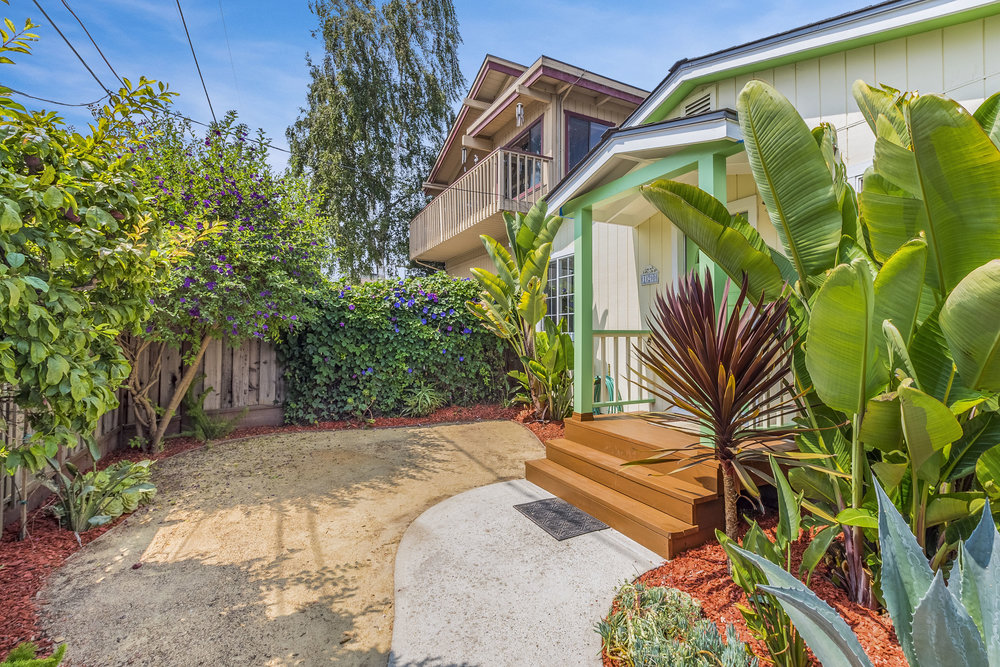 Listing Agents In Santa Cruz 2 Bedroom Open Floor Plan Cottage I