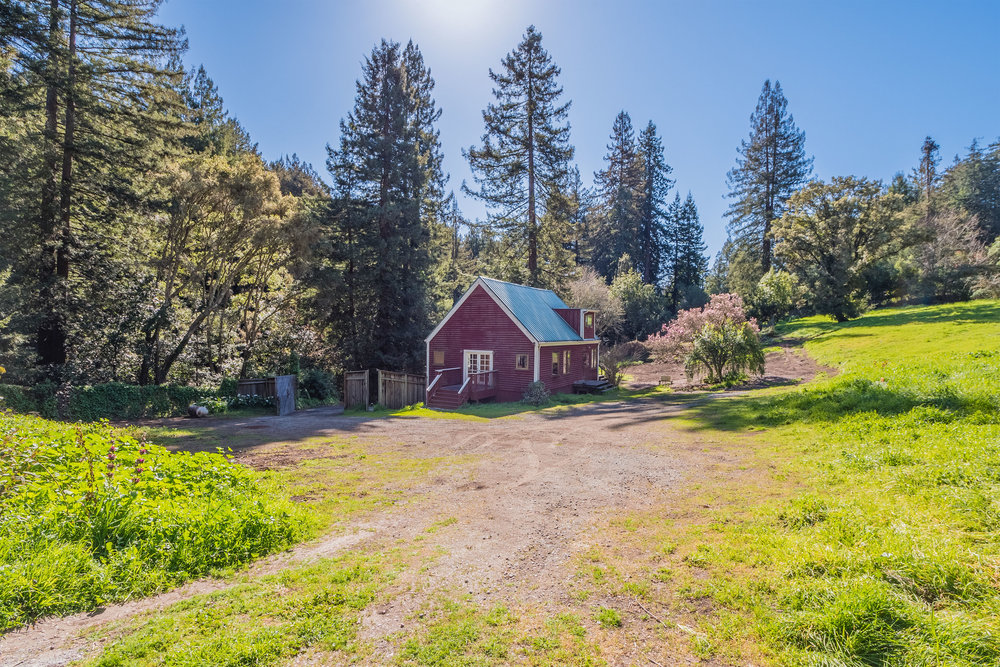 Sunny and Flat Acreage in Aptos, California