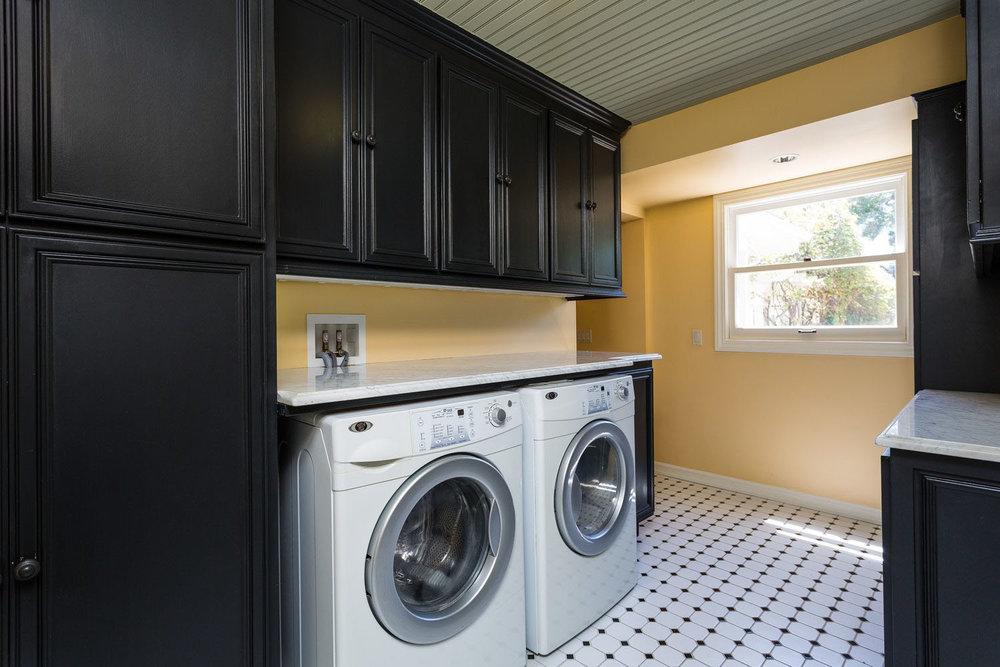Laundry Room Upper Westside Santa Cruz House