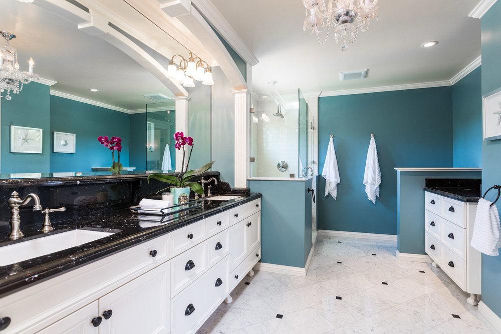 Master Suite with Huge bathroom and Walk-In Closet.jpg