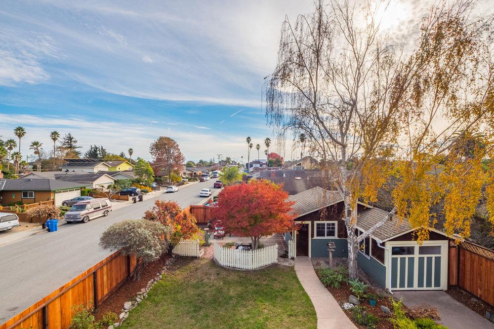 Peek-a-Boo Ocean Views Santa Cruz Housing