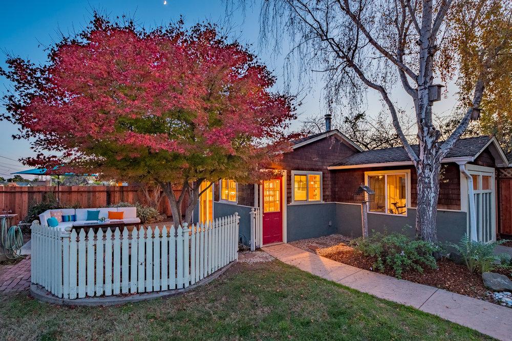 Landscaped Backyard in Santa Cruz