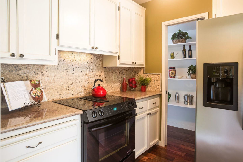 Kitchen with Granite Countertops Real Estate Office In Santa Cru