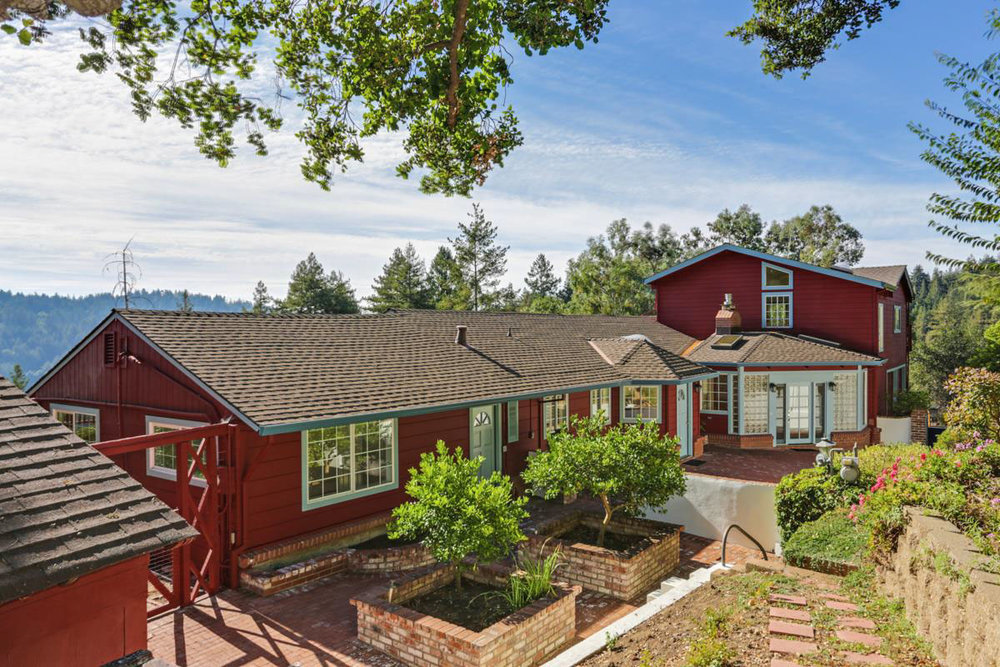 **SOLD  26 Willis Road, Scotts Valley $1,020,000  4 Bedroom | 3 Bathroom | 2,900 Sq. Ft