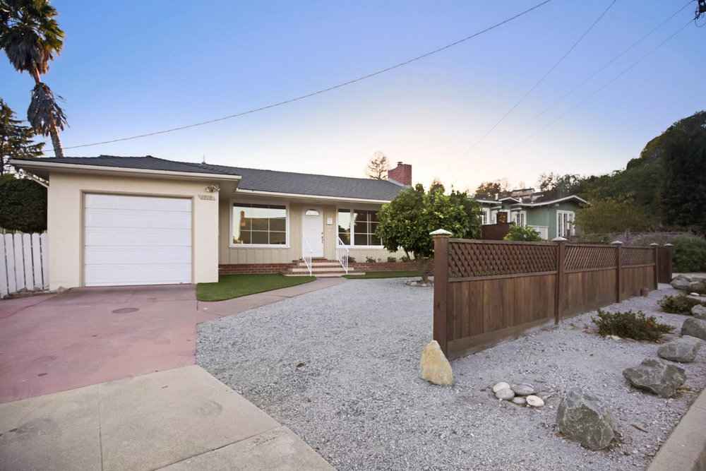 **SOLD  1715 Bay St. Santa Cruz $750,000  3 Bedroom | 2 Bathroom | 1,237 SQ. FT.